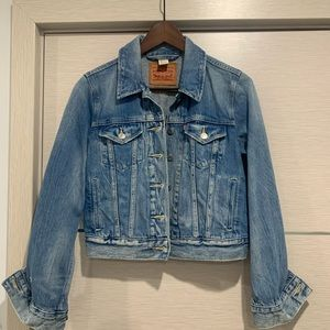 Levi's Denim Jacket. Size small
